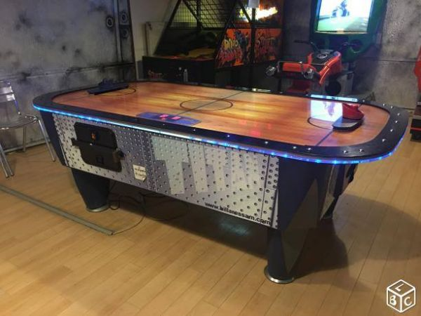 Location air hockey